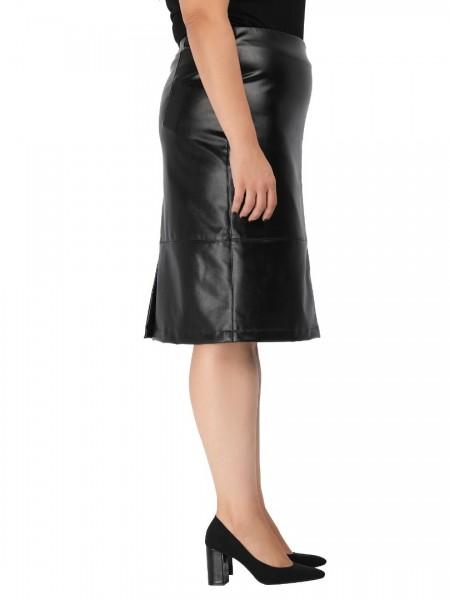 Μαύρη ψηλόμεση faux-leather midi φούστα με διακοσμητικά γαζιά, λάστιχο στη μέση και άνοιγμα πίσω χαμηλά DinaXL