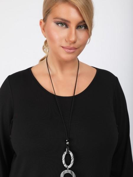 Μαύρη μακρυμάνικη μπλούζα με στρογγυλή λαιμόκοψη και συνδυασμό υφασμάτων στο τελείωμα DinaXL