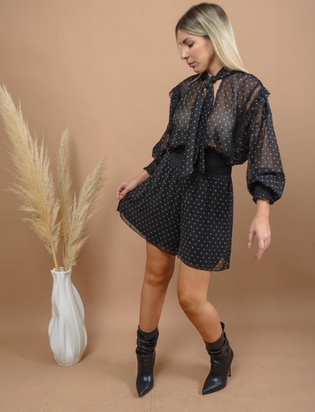 Εμπριμέ μαύρη μακρυμάνικη ημιδιάφανη cropped μπλούζα με δέσιμο κλείσιμο στο λαιμό, βολάν, διάτρητη φάσα και μπάσκα λάστιχο στο τελείωμα Lynne