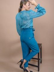 Πετρόλ ψηλόμεσο παντελόνι με βολάν στην μέση, πλαϊνές τσέπες, διακοσμητικά γαζιά μπροστά και αποσπώμενη ζώνη Lynne