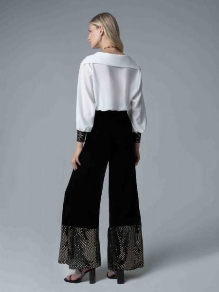 Μαύρο ψηλόμεσο παντελόνι καμπάνα με λάστιχο στη μέση, παγιέτα στο τελείωμα και κλείσιμο με φερμουάρ στο πίσω μέρος Mya