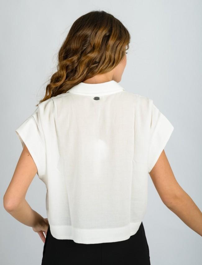 Λευκό κοντομάνικο SCALEA πουκάμισο με πέτο γιακά, μικρές πιέτες στους ώμους και φαρδιά μανίκια Namaste