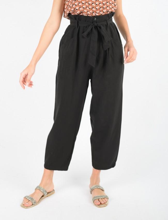 Μαύρο ψηλόμεσο loose-fit RIETI παντελόνι με μεγάλες μπροστινές τσέπες, βαρύ καβάλο, κλείσιμο με φερμουάρ και κουμπιά, μικρό λάστιχο πίσω στη μέση και αποσπώμενη υφασμάτινη ζώνη Namaste