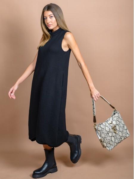 Μαύρο αμάνικο midi σχεδιαστικό MENTON φόρεμα με ξεχειλωτή λουπέτο λαιμόκοψη, μικρή ασσυμετρία στο στρογγυλεμένο τελείωμα και ανάγλυφο μονόχρωμο ύφασμα Namaste