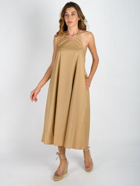 Μπεζ αμάνικο εξώπλατο midi βαμβακερό TATTI φόρεμα με κλειστή λαιμόκοψη, παρτούς ώμους, σε κλος γραμμή, με λάστιχο πίσω στη μέση και πλαϊνές τσέπες Namaste