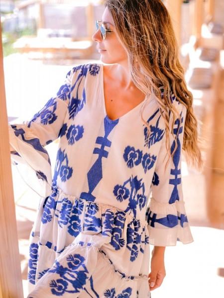Εμπριμέ μπλε ρουά μακρυμάνικο καφτάνι με βολάν και V-λαιμόκοψη Zoya