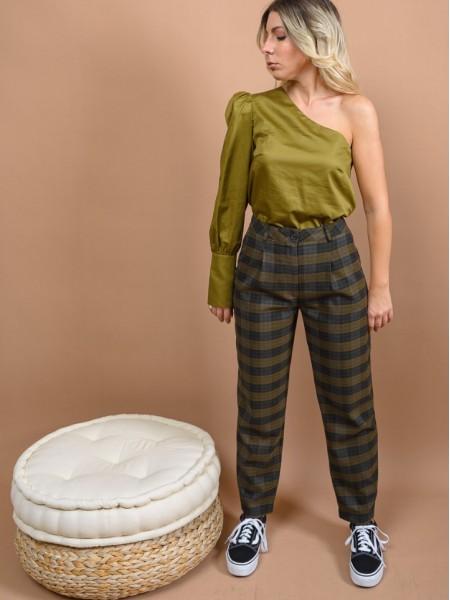 Καρώ πράσινο ψηλόμεσο slouchy-fit παντελόνι με πιέτες μπροστά,πλαϊνές τσέπες και κλείσιμο με κουμπί και φερμουάρ μπροστά Access