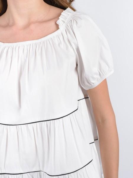 Λευκή κοντομάνικη μπλούζα με λάστιχο στους ώμους, χαμόγελο λαιμόκοψη, μαύρα ρέλια και βολάν Access