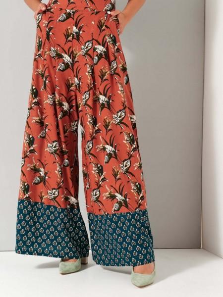 Floral printed εκάι  ψηλόμεση παντελόνα με πιέτες μπροστά  , λάστιχο πίσω στην μέση και συνδυασμός δύο  υφασμάτων στο κάτω μέρος Ale