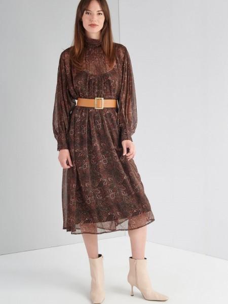 Εμπριμέ καφέ boho-style ημιδιάφανο maxi φόρεμα με λουπέτο λαιμόκοψη, εσωτερικό μισοφόρι, πιέτες μπροστά, μεγάλες μανσέτες και αποσπώμενη ζώνη Ale