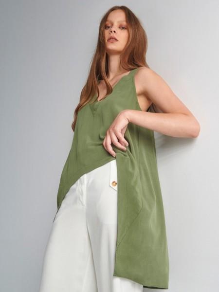 Χακί αμάνικη μπλούζα με μεγάλη ασυμμετρία και V-λαιμόκοψη Ale