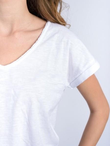 Λευκό κοντομάνικο t-shirt με V-λαιμόκοψη, ρεβέρ στο μανίκι, laser-cut τελείωμα Attrattivo