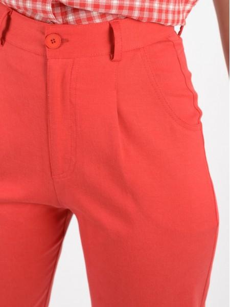 Κόκκινο ψηλόμεσο carrot fit παντελόνι με πιέτες, πλαϊνές τσέπες και κλείσιμο με φερμουάρ και κουμπί Enzzo
