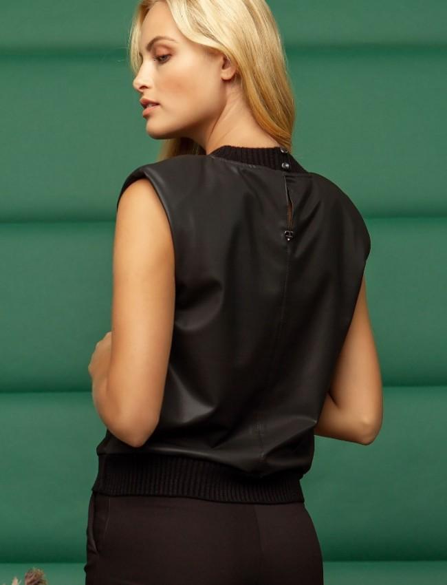Μαύρη αμάνικη faux-leather μπλούζα με στρογγυλή λαιμόκοψη, βάτες και ριπ τελείωματα Enzzo