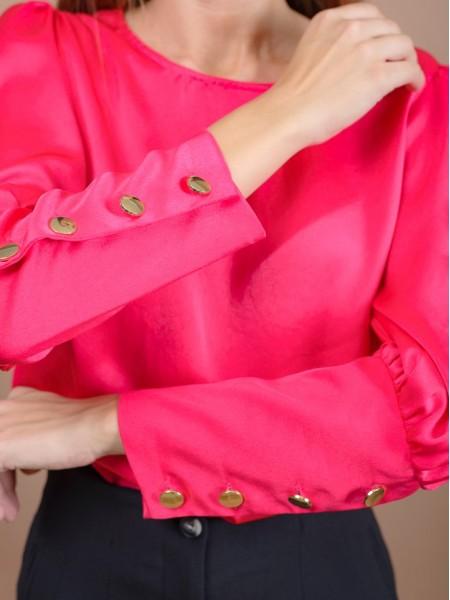 Φούξια μακρυμάνικη σατέν μπλούζα με χαμόγελο λαιμόκοψη, σούρες στους ώμους, μεγάλες μανσέτες με χρυσά κουμπιά και κούμπωμα στην πλάτη Innocent