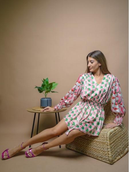 Εμπριμέ πράσινο-ροζ κοντό μακρυμάνικο φόρεμα με V-λαιμόκοψη και λάστιχα στην μέση και στα μανίκια Never on Sunday