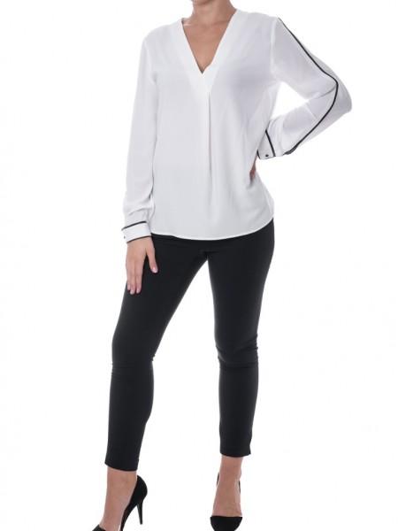 Λευκή μακρυμάνικη μουσελίνα μπλούζα με μαύρη ρίγα στο μανίκι V-λαιμόκοψη και κουφόπιοτα μπροστά Pontoni