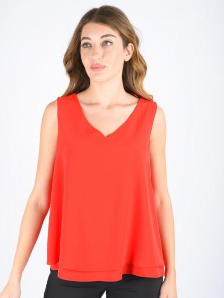 Κόκκινη αμάνικη μπλούζα με V-λαιμόκοψη, ψεύτικο κρουαζέ στην πλάτη και διπλό ύφασμα στο τελείωμα TINTA